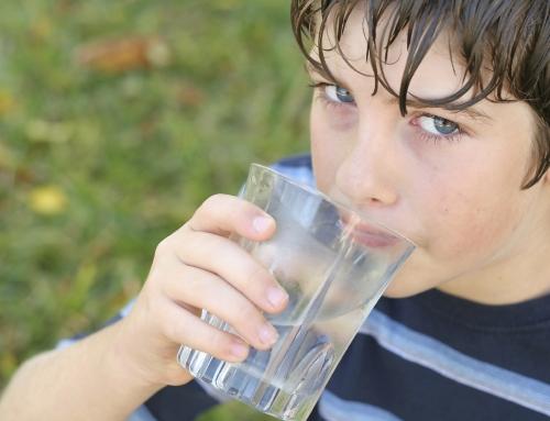 ¿Cuánta agua necesitan los niños?